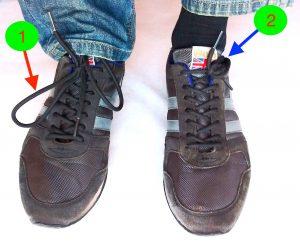 Cordones y lazos del calzado. Truco para evitar riesgos al conducir moto en ciudad