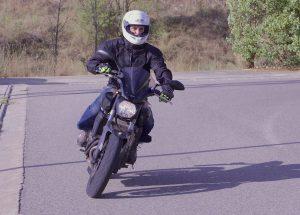 Como iniciar el giro en moto (parte 2)